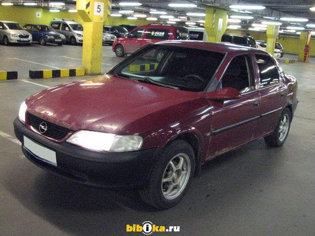 Opel Vectra B 1.6 MT (75 л.с.)
