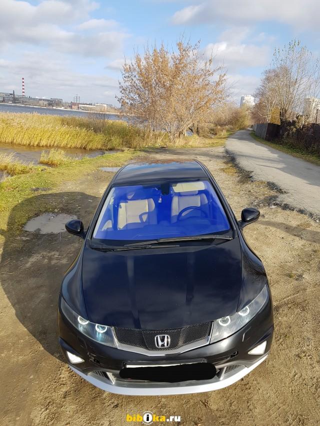 Honda Civic 8 поколение [рестайлинг] 1.8 MT (140 л.с.)