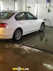 BMW 320 i  Базовая комплектация Базовая комплектация