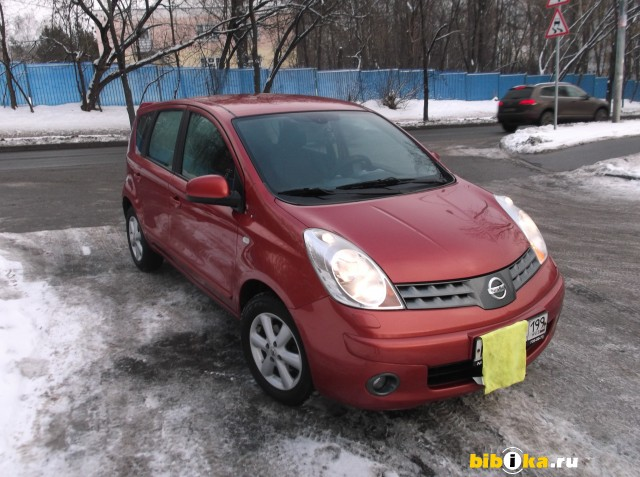 Nissan Note E11 1.6 AT (110 л.с.) люксор