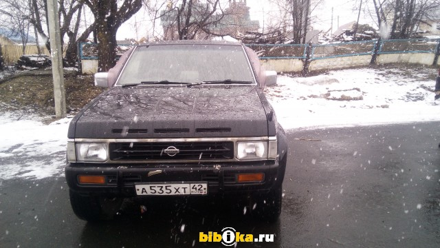 Nissan Terrano WD21 2.7 TD 4WD AT (99 л.с.)
