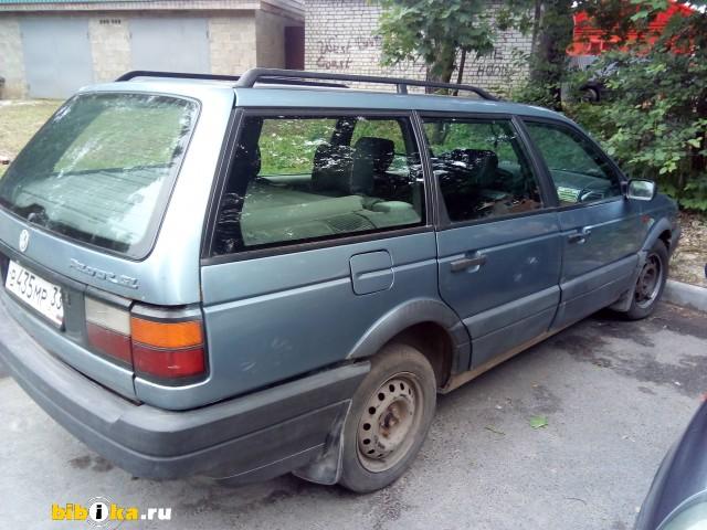 Volkswagen Passat B3 1.8 MT (90 л.с.