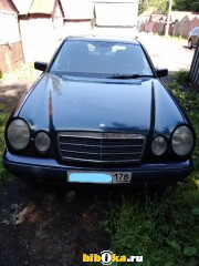 Mercedes-Benz E [W210]