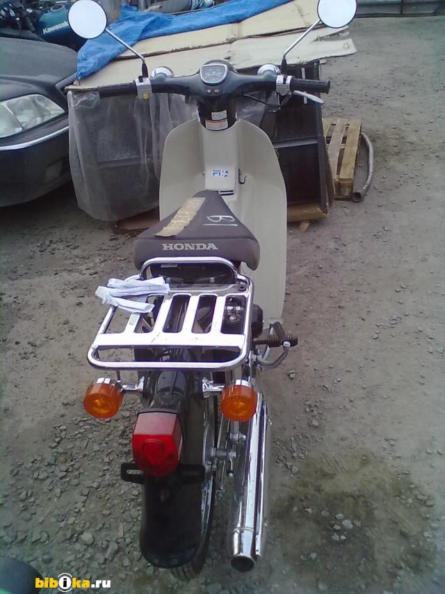 Honda Super Cub 50 FI скутер