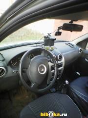 Renault Sandero 1 поколение 1.6 MT (84 л.с.) Степвей